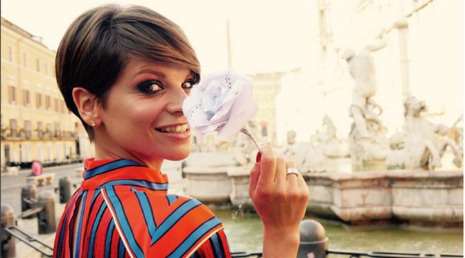 """Nasce la""""Big family Onlus"""" di Alessandra Amoroso, intanto arrivano le prime anticipazioni sul nuovo video."""