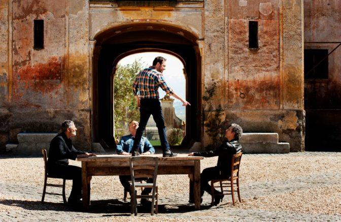 """""""Mio Fratello"""", Biagio Antonacci feat. Mario Incudine, nel video diretto da Gabriele Muccino ci sono anche i 'Fratelli' Fiorello."""