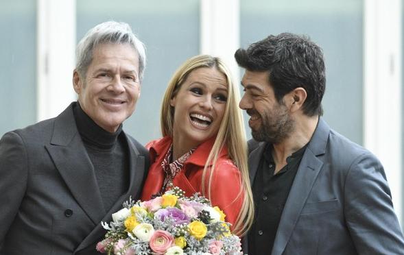Sanremo 2019, Michelle Hunziker e Pierfrancesco Favino ospiti della prima serata per il passaggio di consegne
