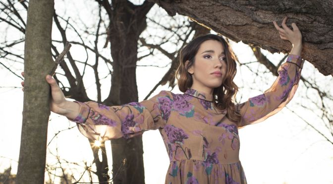 """Dopo l'esibizione al concerto del Primo Maggio, YLENIA LUCISANO da oggi è in radio con il singolo """"NON MI PENTO""""."""