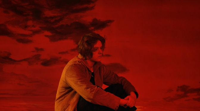 "LEWIS CAPALDI: fuori il disco di debutto ""Divinely Uninspired To A Hellish Extent"" che contiene ""SOMEONE YOU LOVED""."